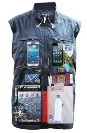 AyeGear 23 Pocket Travel Vest with Dual iPad Pockets, Concealed Carry Clothing, No Bulge, Lightweight